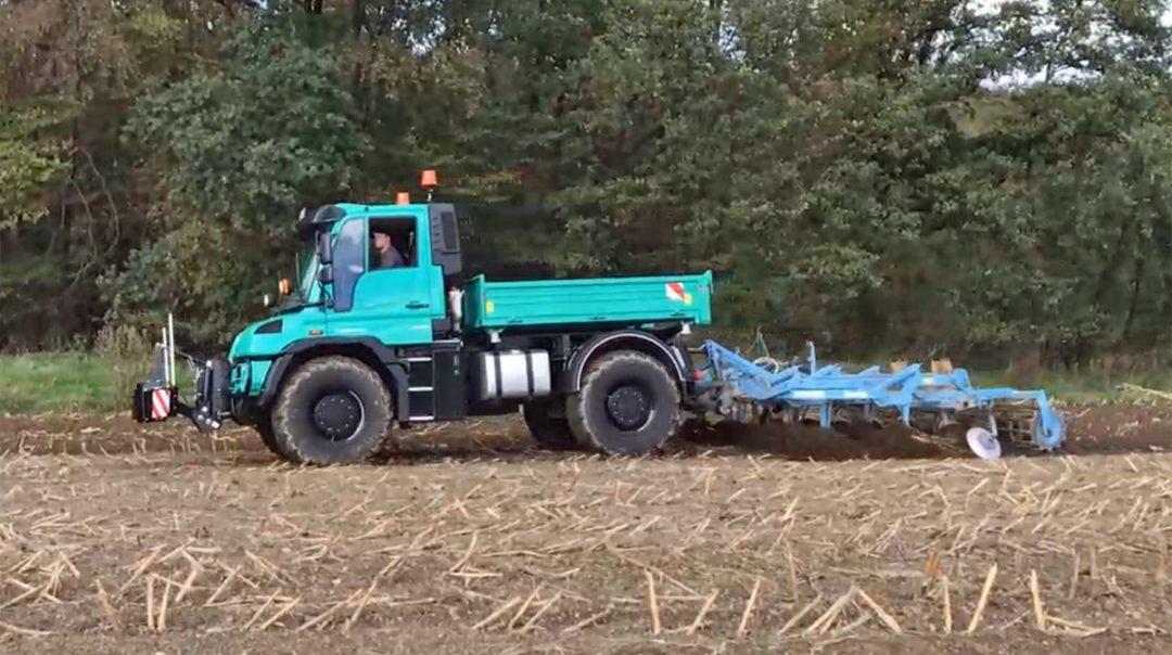 Feldvorführung – Unimog U 529 Agrar